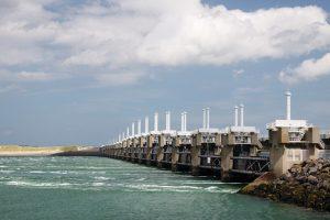 tidal dam against sky